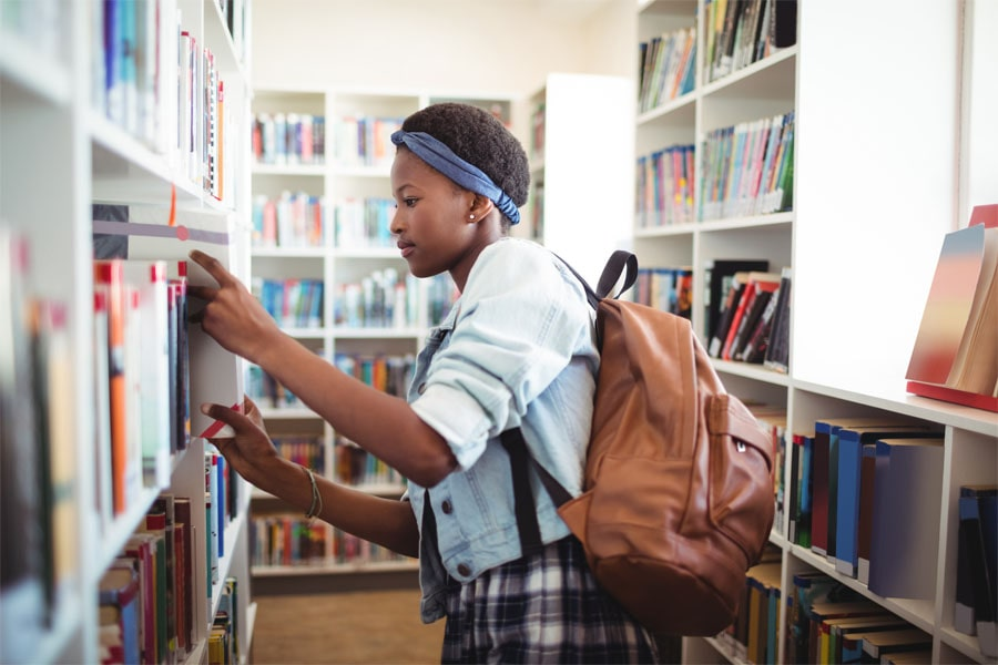 Student in the library.